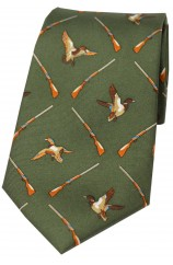 Soprano Flying Ducks Country Green Ground Country Silk Tie